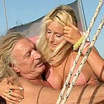 Blondie bombshell goes down and gets her twat banged on a boat